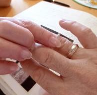 En ring i vitt guld, en gåva från min fru!